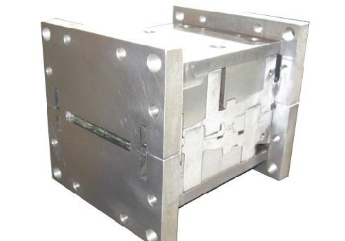 一种纳米叠层复合材料制备装置及其应用